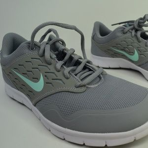 buy online caf43 c3dee Nike Orive NM Women s Shoes Size 677136-031 New 8